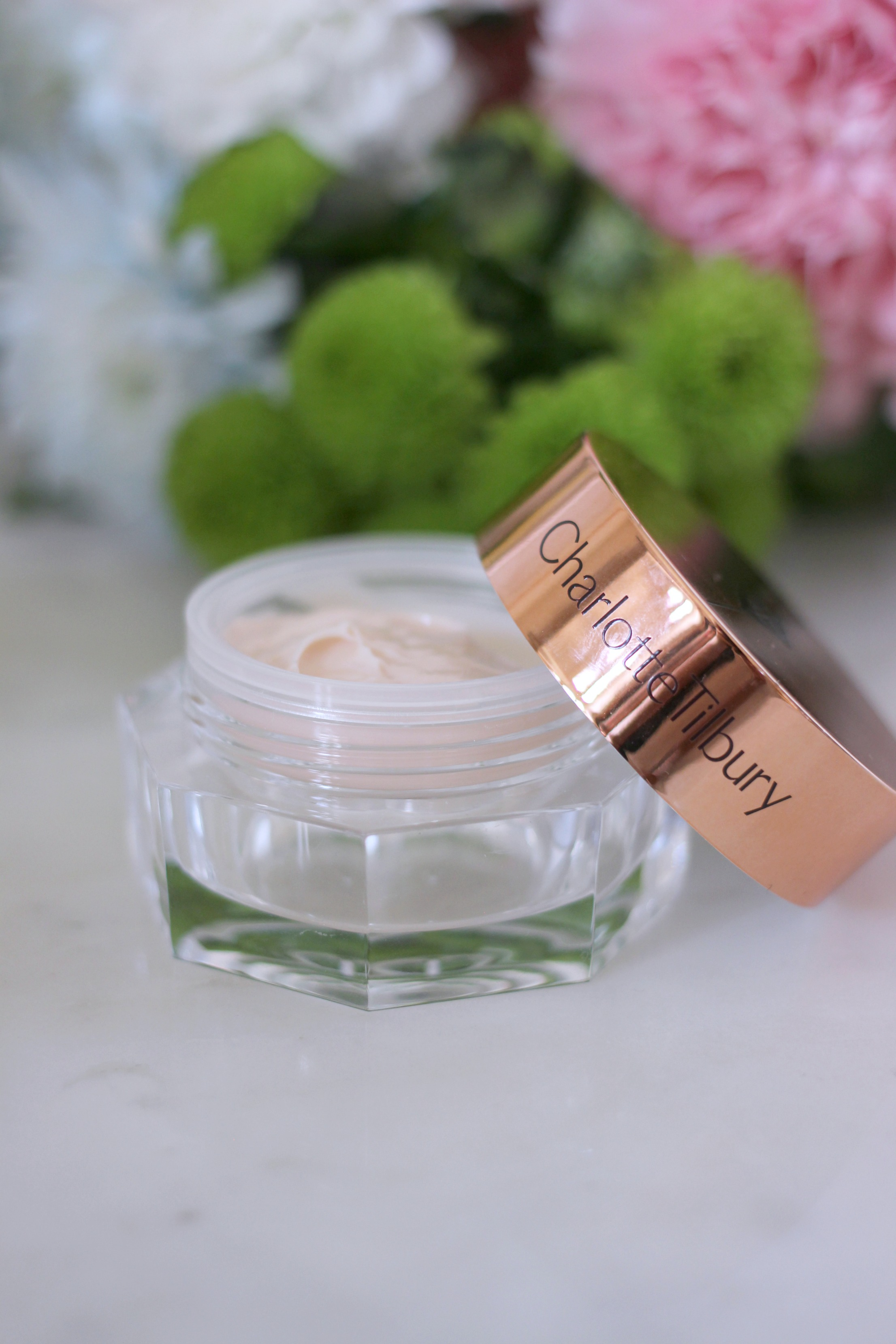Luxury Mothers Day Gift Guide - Fashion Mumblr blog CT Eye Cream