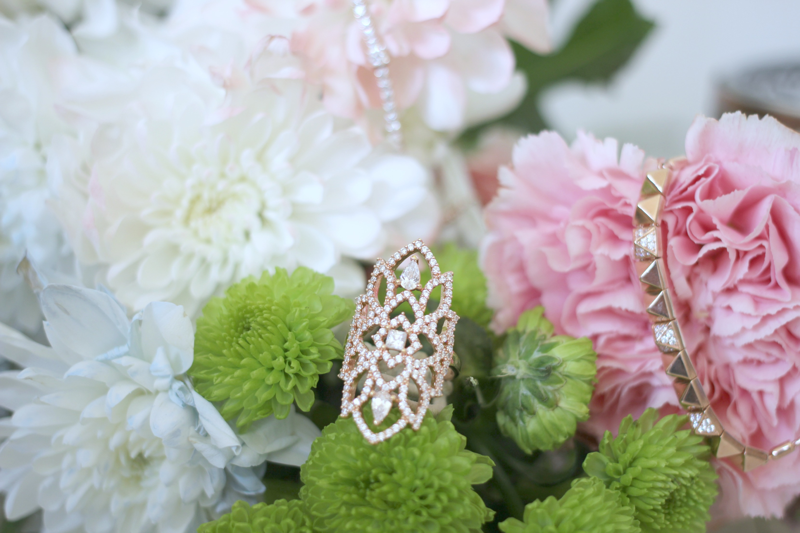 Luxury Mothers Day Gift Guide - Fashion Mumblr blog Carat London Ring
