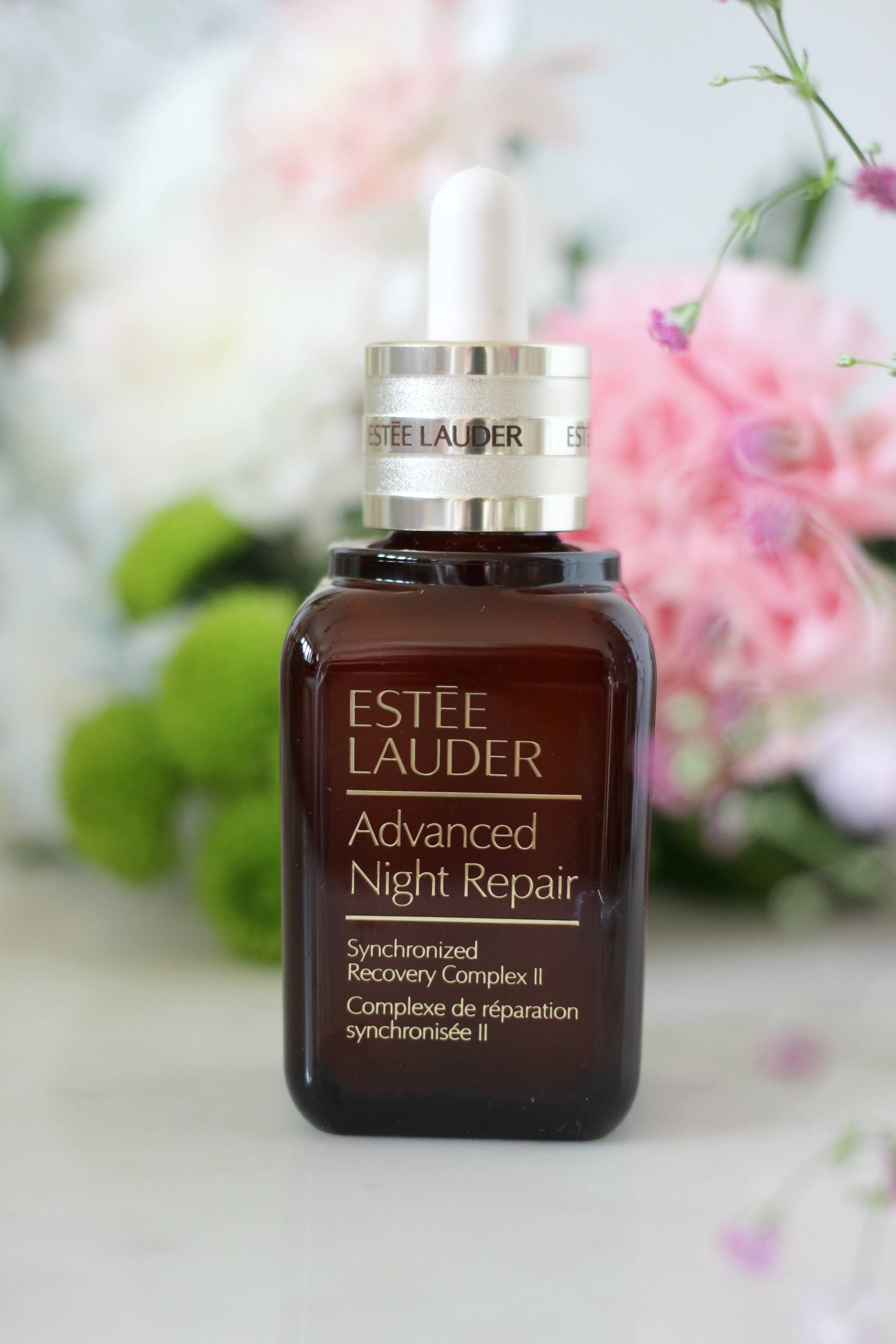 Luxury Mothers Day Gift Guide - Fashion Mumblr blog Estee Lauder Advanced Night Repair