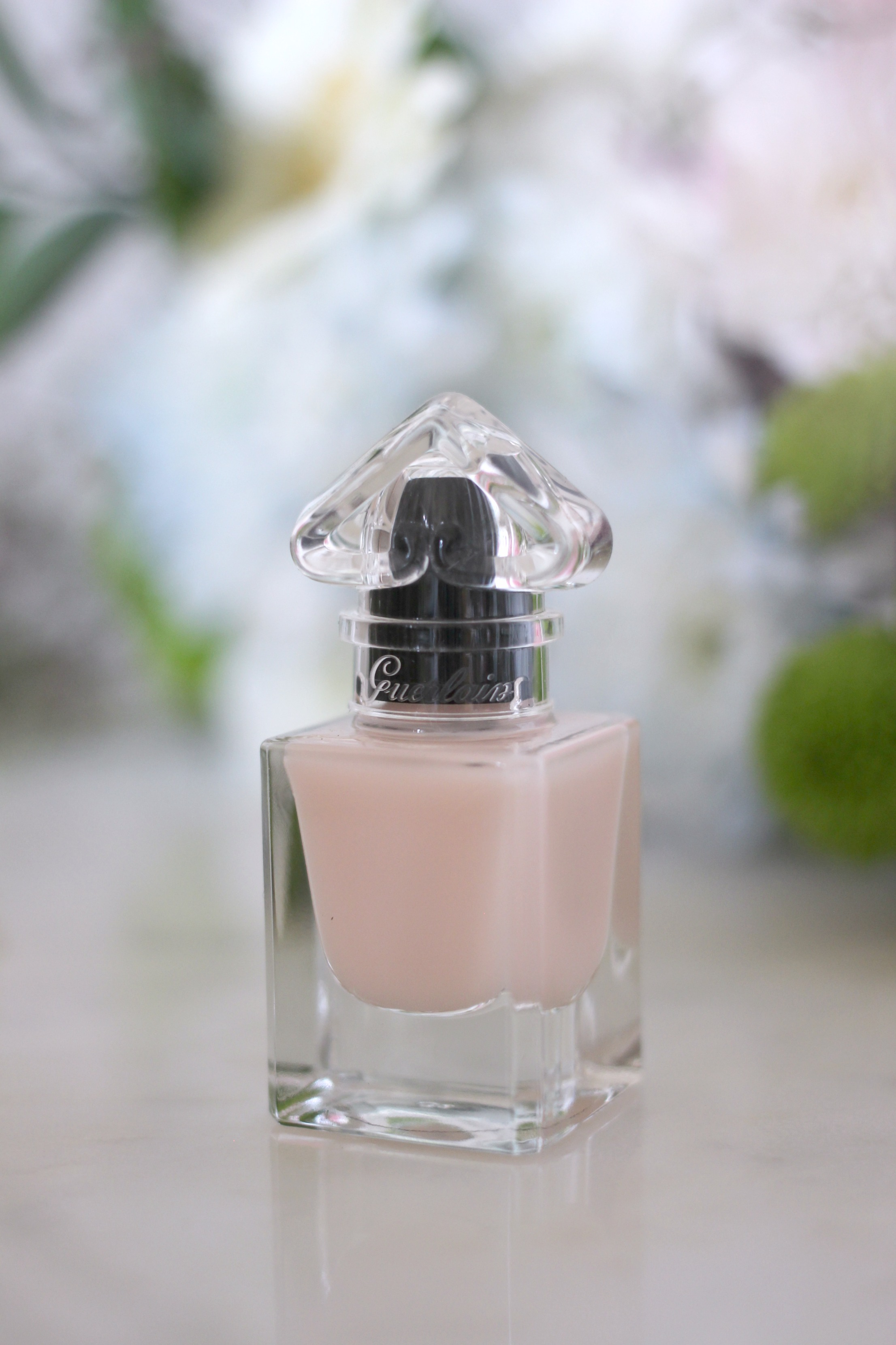 Luxury Mothers Day Gift Guide - Fashion Mumblr blog Guerlain Nail Polish