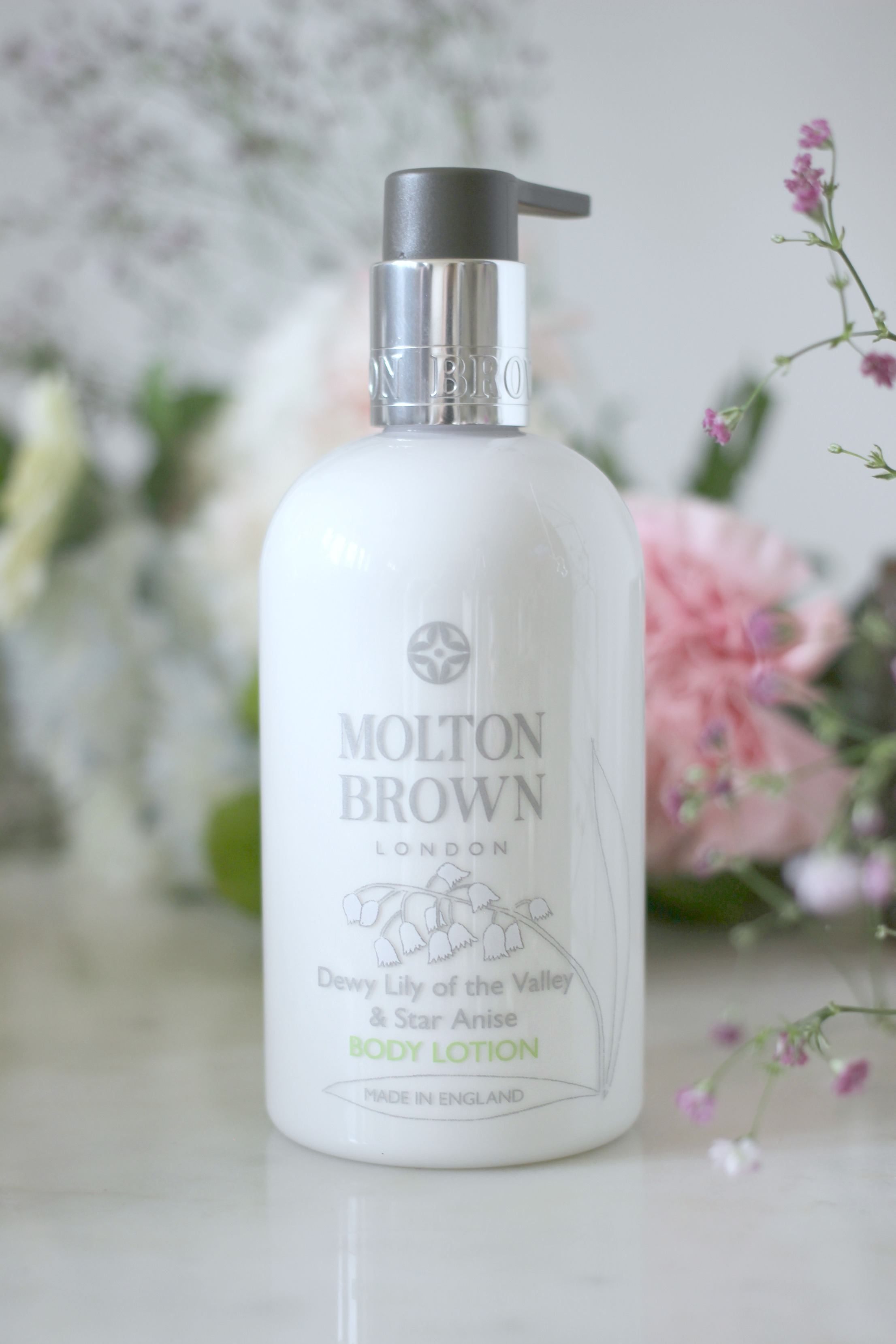 Luxury Mothers Day Gift Guide - Fashion Mumblr blog Molton Brown Body Lotion