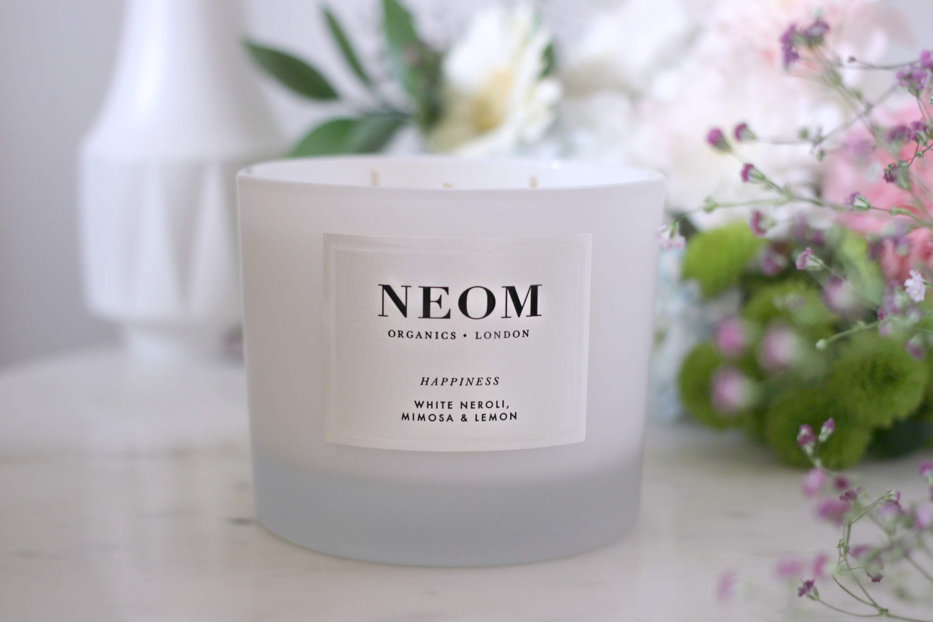 Luxury Mothers Day Gift Guide - Fashion Mumblr blog Neom Happiness