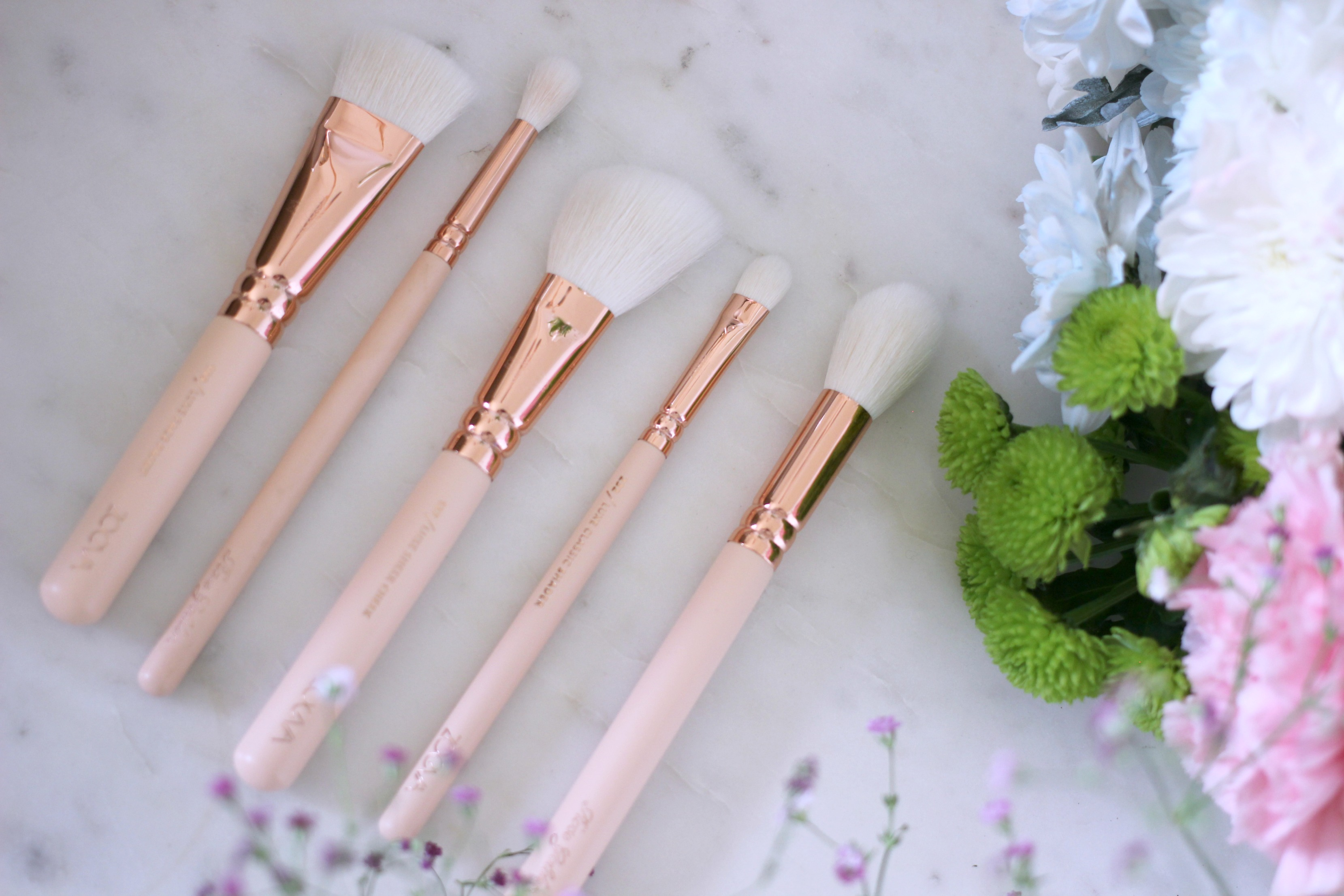 Luxury Mothers Day Gift Guide - Fashion Mumblr blog Zoeva Rose Gold Pink Makeup Brushes