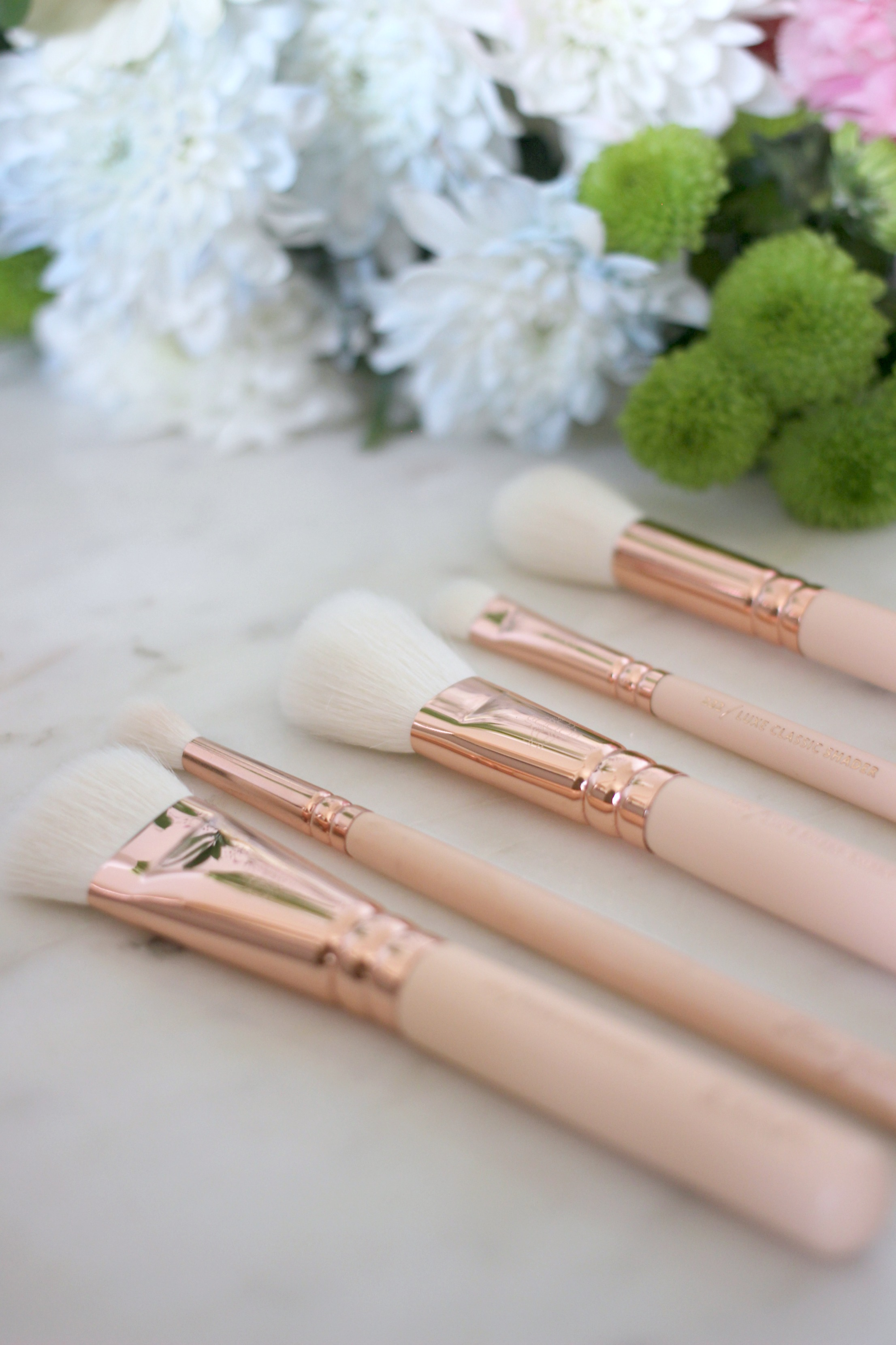 Luxury Mothers Day Gift Guide - Fashion Mumblr blog Zoeva Rose Golden Brushes
