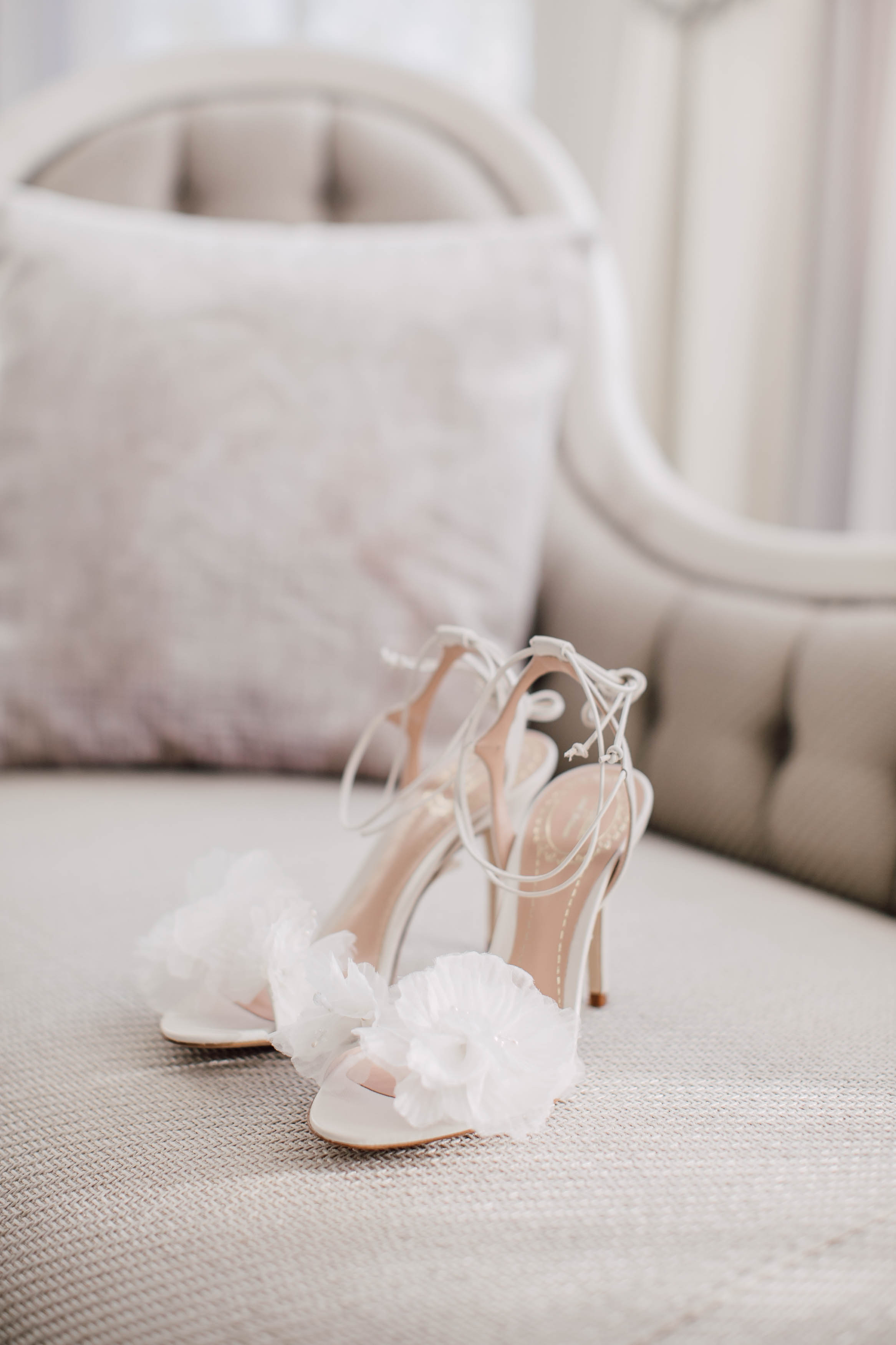 corners shoes comforter lovely download wedding for idea bride comfortable ivory